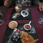 Desserts succulents. Assiette gourmande et mousse au trois chocolats :)