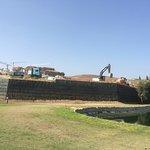 construciotn next to the golf course Flamingos