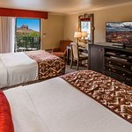 Standard Double Queen Red Rock View Guest Room