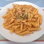 Penne alla vodka with grilled chicken, nom nom!