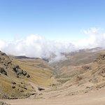 Sani Pass met scherpe stijle bochten