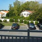 Vue de notre chambre (parking facile)