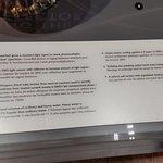 Explanation of how the  SNO (Sudbury Neutrino Observatory) neutrino detector works