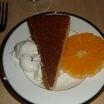 semolina cake with oranges and whipped cream