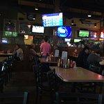 Zdjęcie B Hall's Bar & Grill