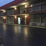 Photo de Econo Lodge Civic Center