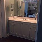 Studio vanity (Rm 3072)