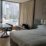Photo de 99 Bonham All Suite Hotel