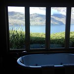 FULL LENGTH BATH AND VIEWS TO DIE FOR