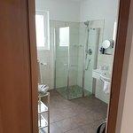 Großes Badezimmer, fein und sauber :-)