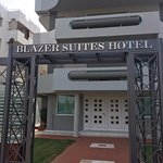 The Blazer Suites Hotel Foto