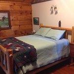 queen bed in algonquin cabin