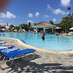Avanti pool and poolside bar