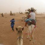 Tempête de sable pour arriver au bivouac .