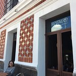 Ubicado en una casona antigua poblana, el restaurante es hermano del restaurante LA NORIA , eso