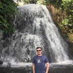 Parque municipal com uma bonita cascata. Uma pena que esteja em estado precário de conservação..