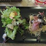 Poêlée d'escargots, jambon de pays et pousses de salades