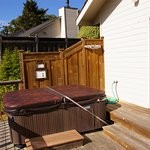 Coombs Cottage deck/spa