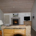 Coombs Cottage - gas fireplace