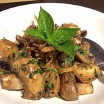 Appetizer. White mushrooms. Vegan version (no cheese or butter).