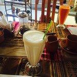 Foto de El Condor & The Eagle Cafe