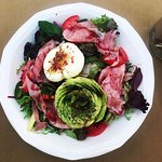 avocado and poached egg salad (add ham), delicious!