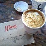 JJ Bean Coffee Roasters - CBC Plaza의 사진