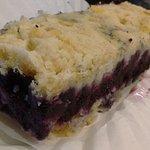 Blueberry streusel bar