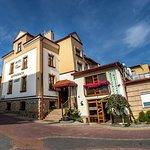 Restauracja węgierska i sklep z winami