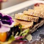 Micuit de foié con pan nórdico