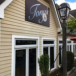 Tony's is hidden in a hovel on High Street near Chattanooga's Hunter Museum.