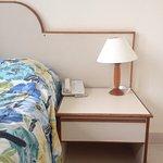 Hotel Augusto's Paysandu, quarto 306 e saguão. Out 2016.