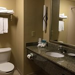 Photo de Holiday Inn Express Hotel & Suites Lewisburg