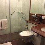 Neat & Clean Bathroom