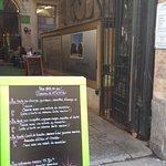 Café Georges, l'entrée vue de la rue