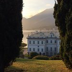 View of the mansion at I Giardini di Meltzi at sunset