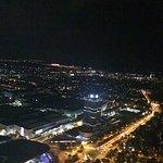 Blick vom Olympia Turm bei Nacht- BMW Museum und Allianz Arena
