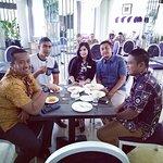 Canda tawa di D'risoto restaurant, bersama Ms. Febi dan DPRD Aceh..