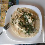 La Hoja Verde, Crepes: Stuffed with spinach and manchego, smothered in a cashew sauce sprinkled