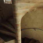 L'escalier de pierre vers la chambre Santoline