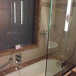 Mövenpick Hotel Deira Foto