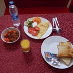 Qurum Beach Hotel nice breakfast buffet