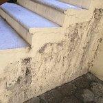 Instalaciones Descuidadas y Desgastadas
