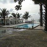 Club Villas pool area, bech access