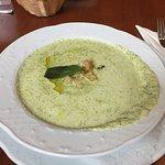 Broccoli Suppe, Pizza und der Gruß aus der Küche