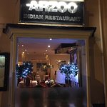 يعتبر هذا المطعم من افضل المطاعم الهندية ويوجد لديهم اكل حلال علي كلام النادل وبالنسبه للاستقبال