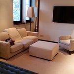 Nice and spacious Halkin room