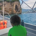 5 to 10 minute water taxi to Los Arcos
