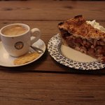 Zuivere Koffie - espresso and apple pie