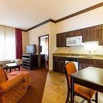 2 Double Bed Suite w/ Kitchen